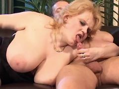 Chubby mature sucks cock on sofa bbw mpegs