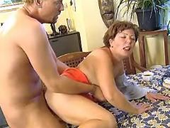 Guy drills mature plumper on table bbw mpegs