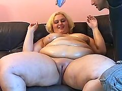 Megafat blond housewife seduces guy bbw mpegs
