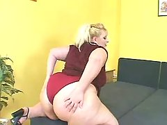 Fatty with huge ass dildoes herself bbw mpegs
