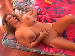 Crisa & Joana in Knockin' Nipples bbw mpegs