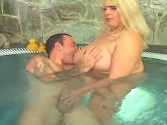Fat blonde cutie spoils guy in pool bbw mpegs