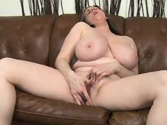 Chubby mature plays with wet pussy bbw mpegs