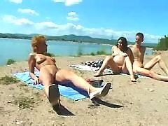 Nice pregnant girl relaxes on beach bbw mpegs