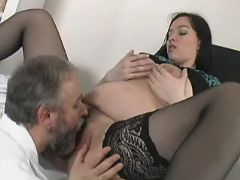 Old doctor licks pregnant brunette bbw mpegs