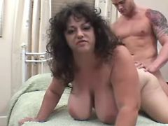 Guy drills chubby mature in bedroom bbw mpegs