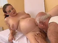 Pregnant cutie licked by old man bbw mpegs