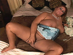 Big babe slide toy in pussy bbw mpegs
