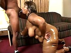 Lustful paunchy woman does perfect blowjob