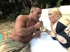 Man spoils chubby blonde in nature bbw mpegs