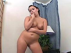Sensual greasy woman blowing hard dick on sofa bbw mpegs