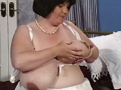 Pregnant mom presents huge melons bbw mpegs