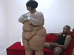 Elephant size woman playing with toy on bath bbw mpegs